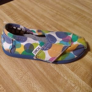 Toddler Toms Size 6